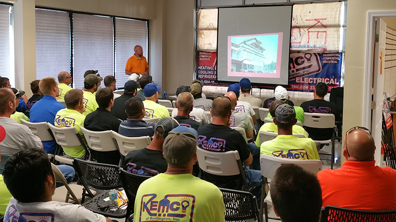 electrician_safety_meeting